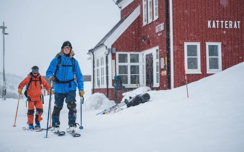 Johnn Andersson and Tom Oliver Hedvall skiing out of Katterat