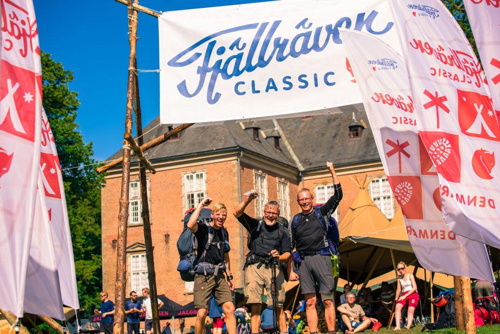 Happy hikers at fjällräven Classic Denmark